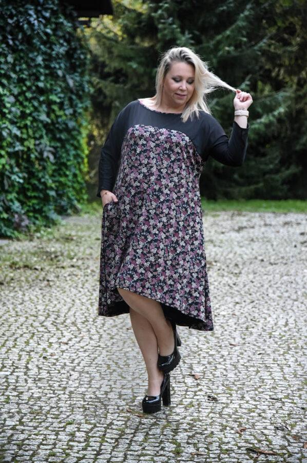 Sukienka z siateczką w kwiaty