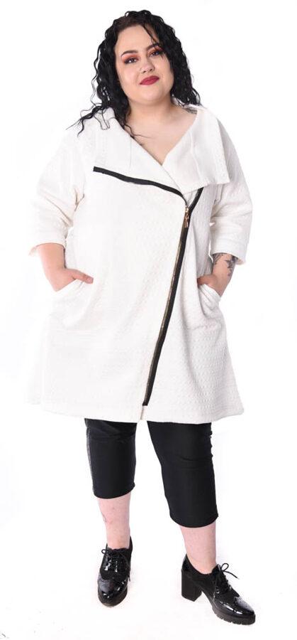 Biały letni płaszcz