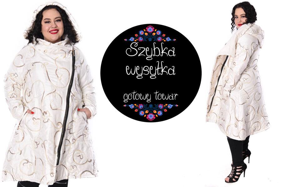 Płaszcz biały haftowany
